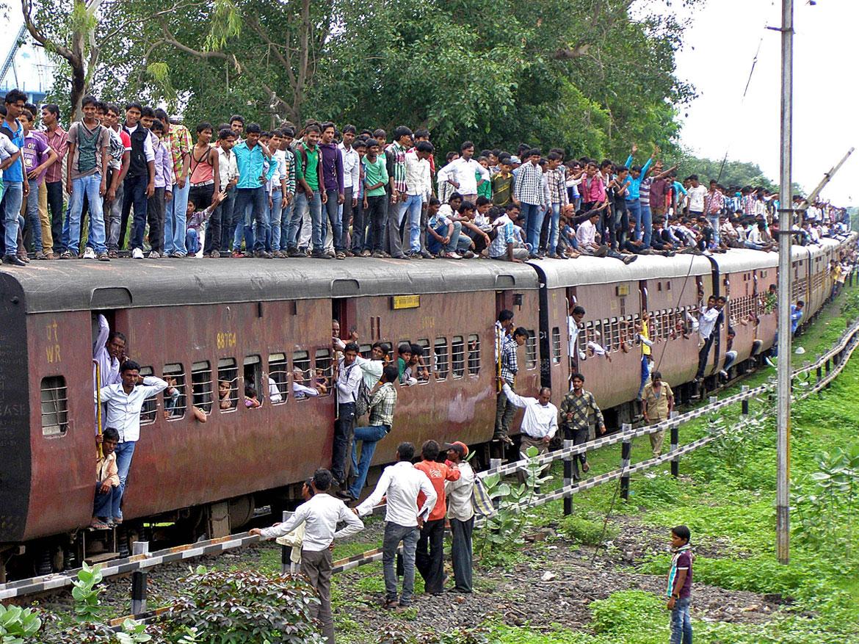 Image result for поездка на поезде в индии фото
